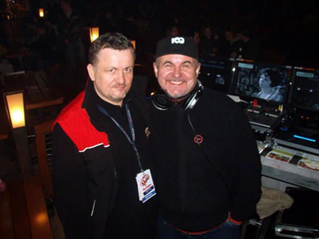 Dj Imprezator i Hirek Wrona w studiu radiowym